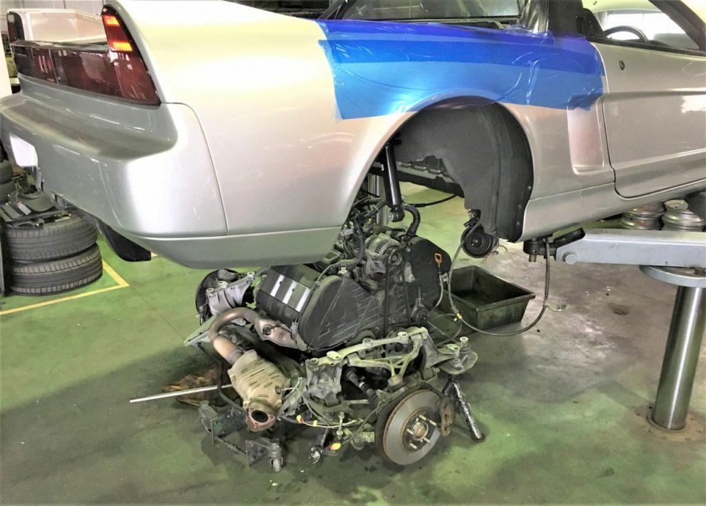 初期型NSXのエンジン降ろし