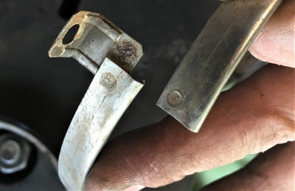 ヘッドライトを固定用のリングのスポット溶接